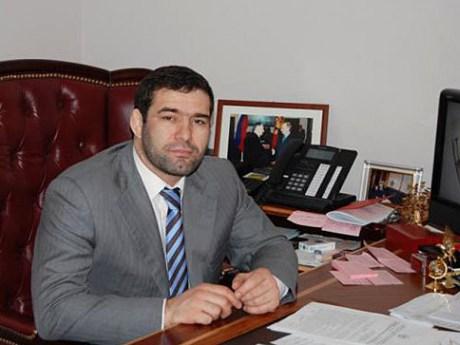 Муртазалиев поздравил коллектив